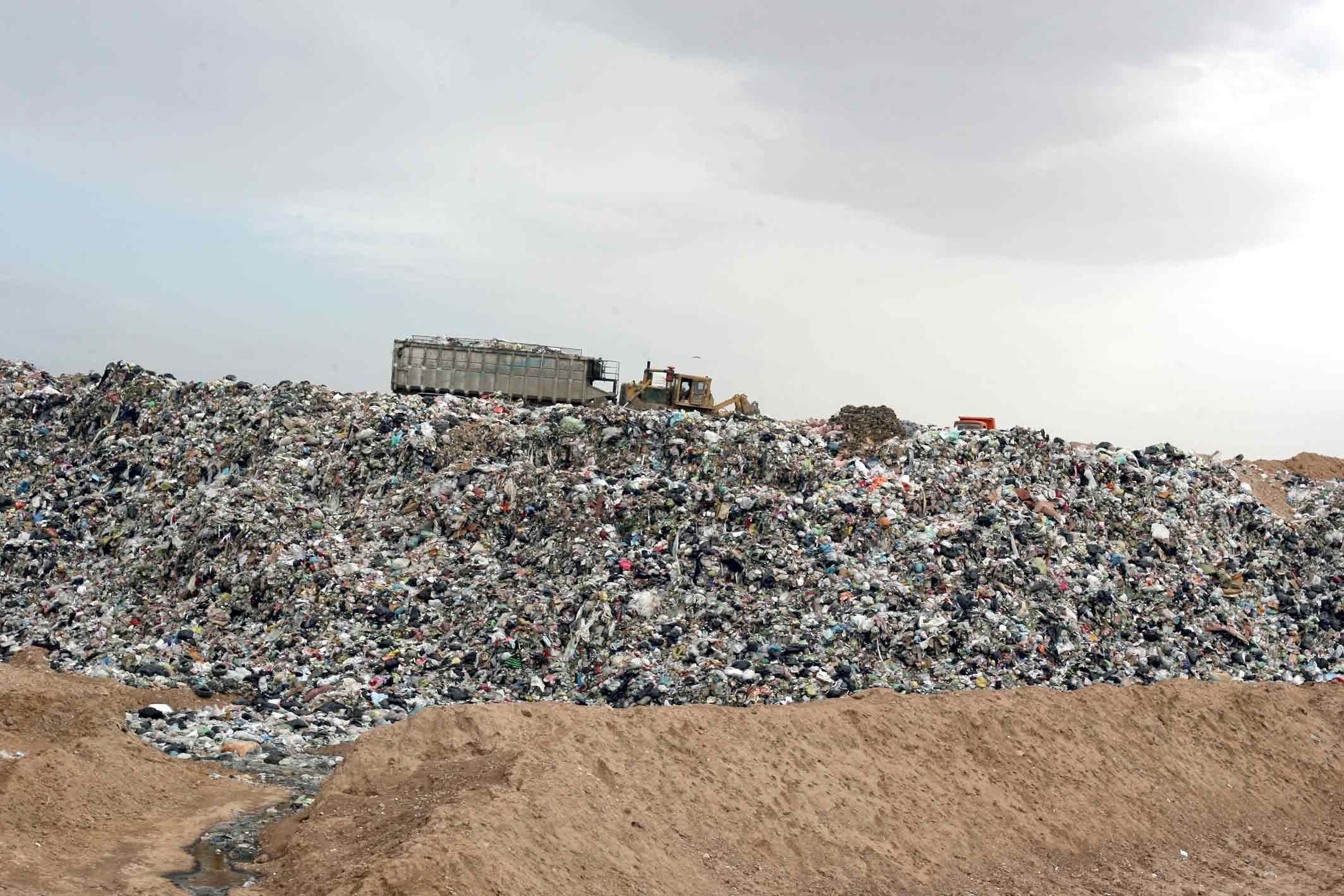 تراکم زباله برای تمدید عمر محل دفن زباله بسیار مهم است