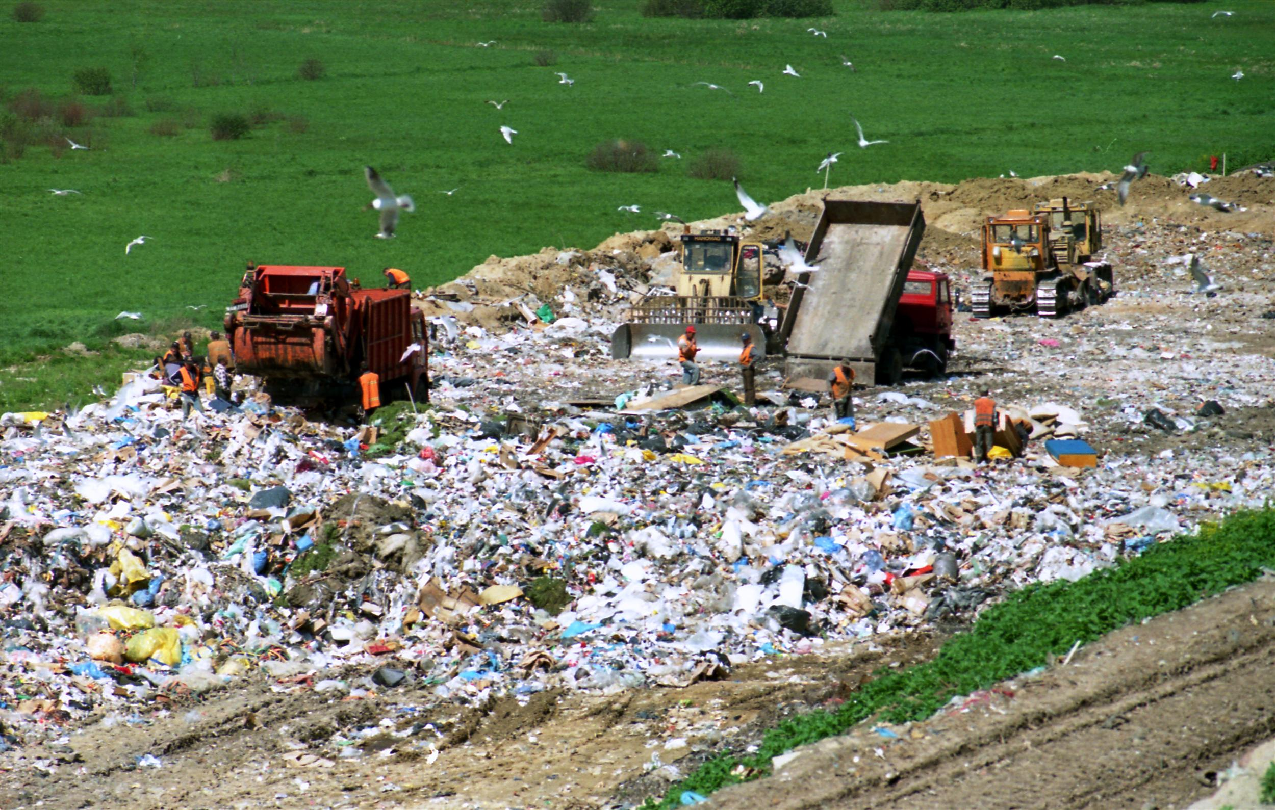 محل دفن زباله بايد به خوبي مديريت شود